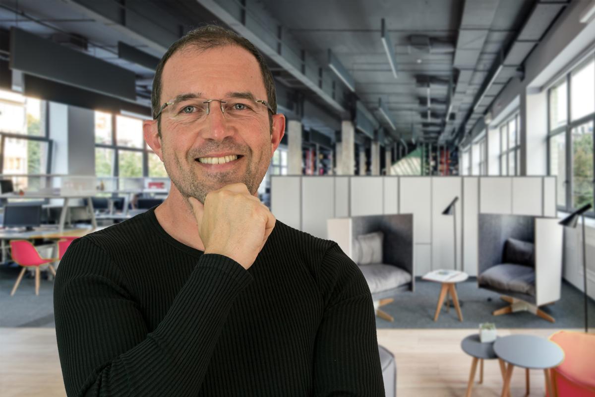 Chez Mémé : Espace de coworking - Une minute avec… Christophe, design graphique, directeur artistique